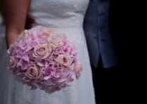 wedding-bridal-bouquet-bouquet-roses-160803